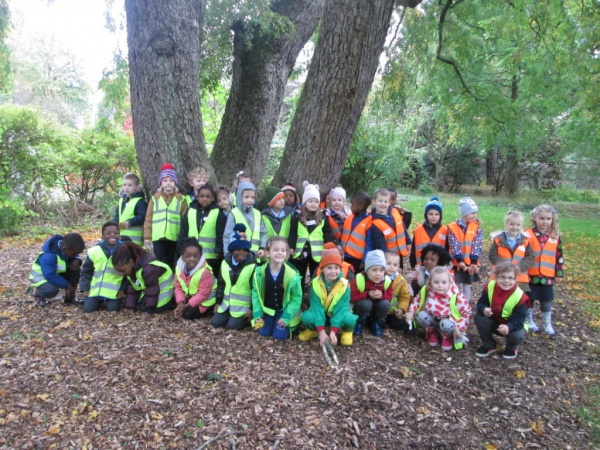 P1 Red's 'Senses walk' to Cruickshank Botanical Gardens